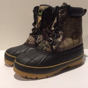 MAGELLAN Outdoor Boots-Youth Size 3-New Condition